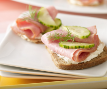 Cucumber & Turkey Ham on Rye 
