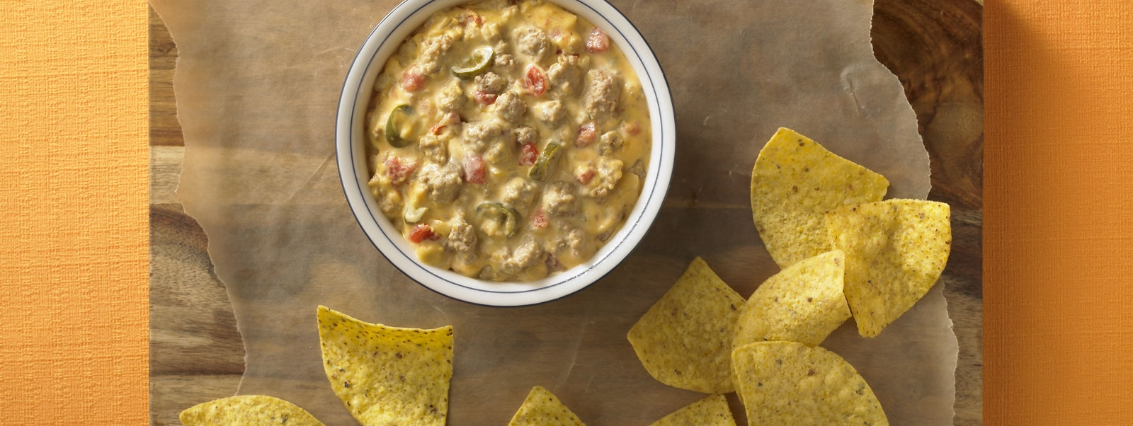 Crowd-pleasing Turkey Cheese Dip