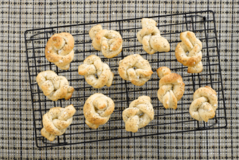 Poppy Seed Twisted Rolls