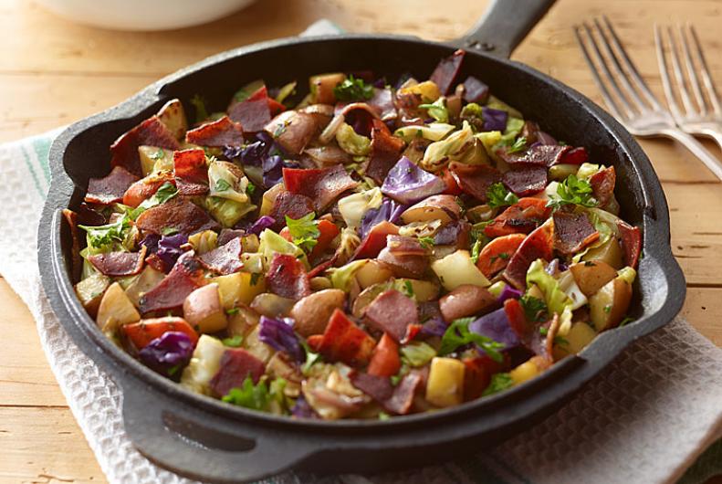 Turkey Bacon Skillet Breakfast | JENNIE-O® Turkey