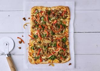 Spinach & Red Pepper Turkey Pizza